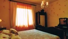 camera arancio 2
